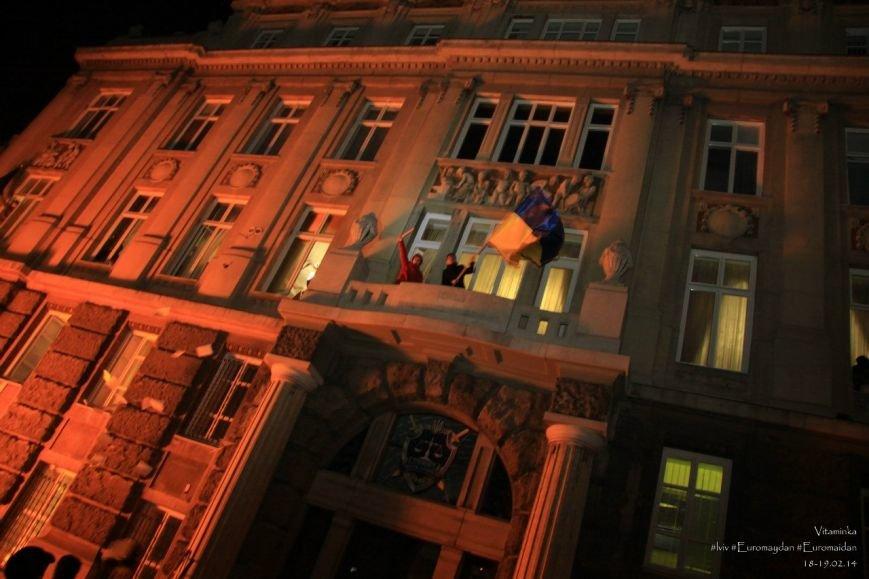 У Львові відреставрували вітражі, які були пошкоджений під час «Ночі гніву» у прокуратурі (ФОТОРЕПОРТАЖ) (фото) - фото 3