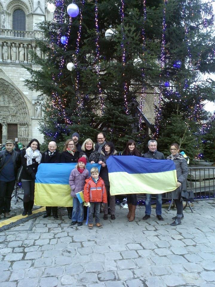 Украинцы в Париже почтили память погибших бойцов батальона «Кривбасс» (ФОТО), фото-5