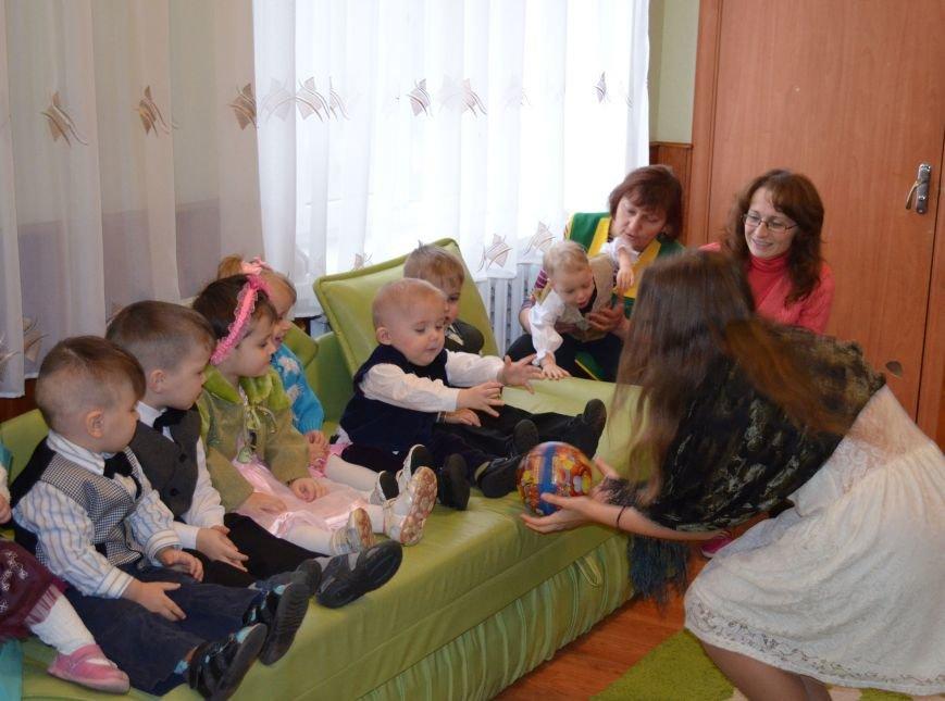 ПАТ «Рівнеазот» OSTCHEM  привітав дітей Ясениницького інтернату з новорічно-різдвяними святами, фото-1