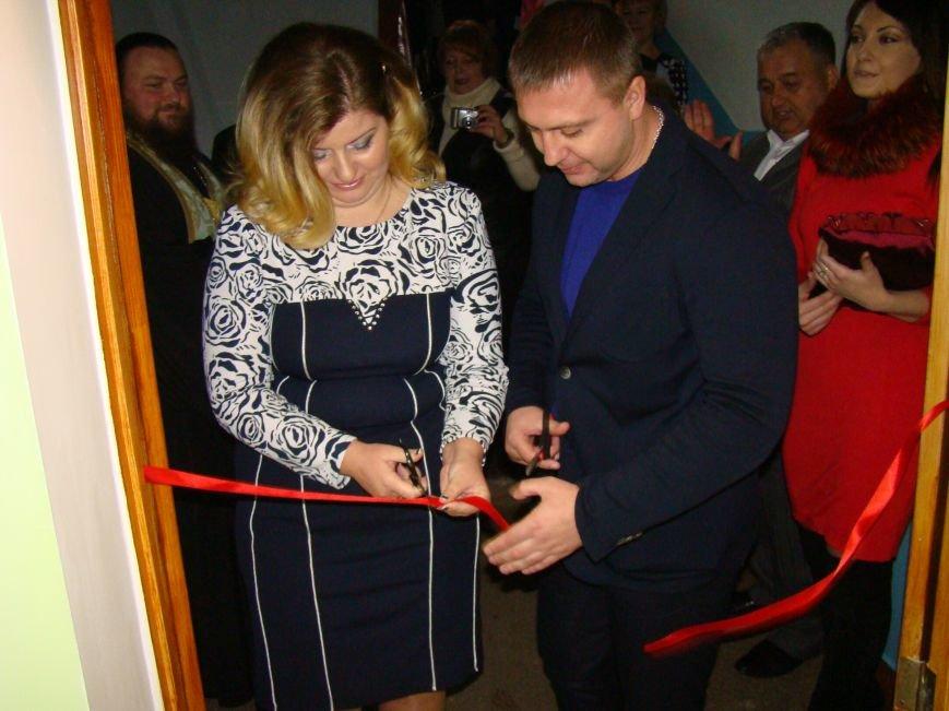 В Кривом Роге открыли Учебно-практический центр для обучения визажу и парикмахерскому искусству (ФОТО) (фото) - фото 1