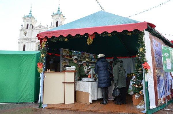 Фоторепортаж: новогодняя ярмарка в центре Гродно собирает большие очереди, фото-7