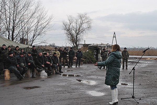 Гвардійців на постах привітали піснею (фото) - фото 6
