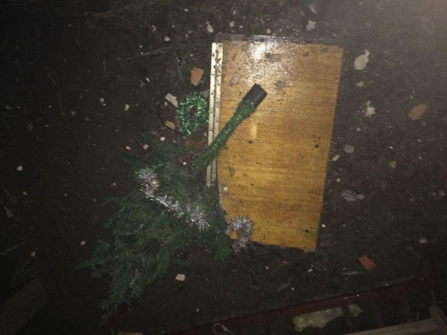В Донецке взорвался дом - погибли трое человек (ФОТО), фото-1