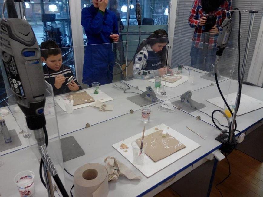 У Львові дітки-переселенці створять ялинкові  іграшки (ФОТО) (фото) - фото 3