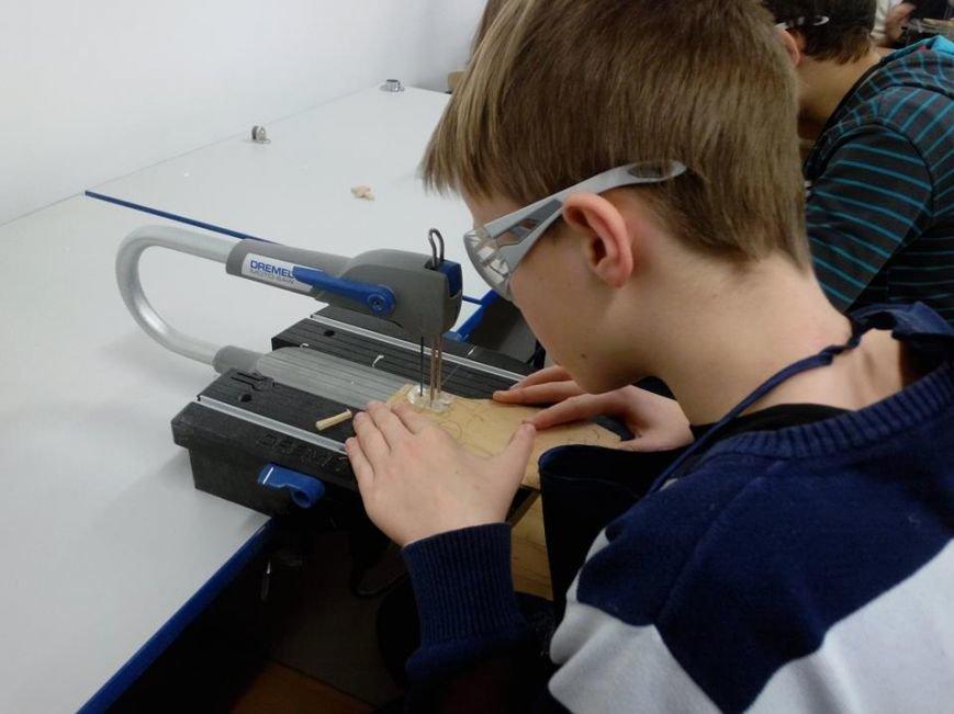 У Львові дітки-переселенці створять ялинкові  іграшки (ФОТО) (фото) - фото 1