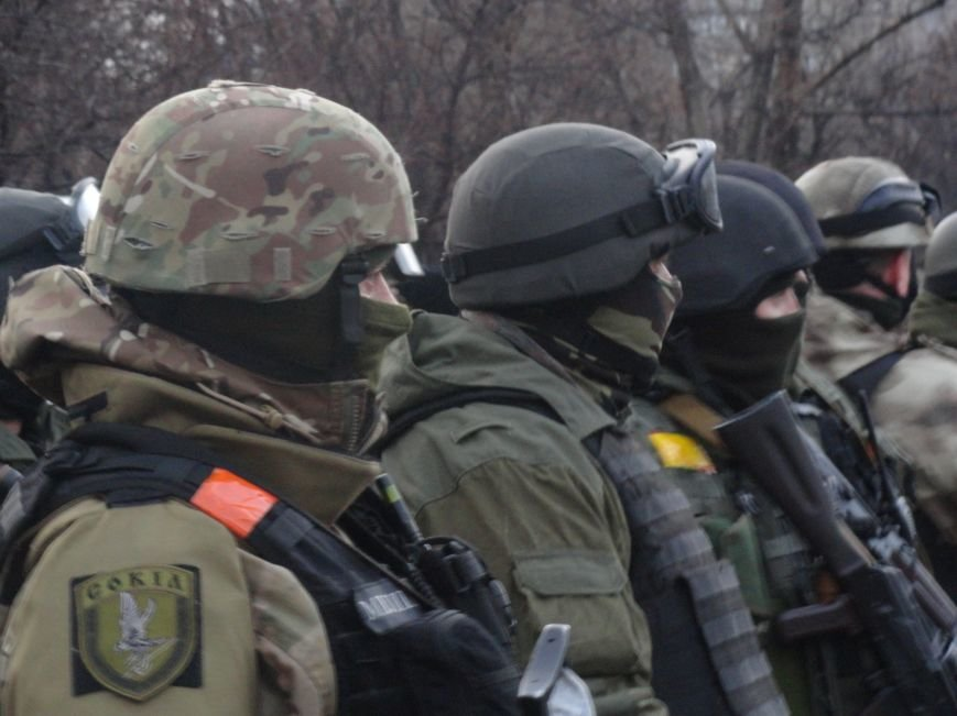 Вячеслав Аброськин на построении спецподразделения «Сокол» сообщил. кто не выставил охрану и допустил теракт в Мариуполе (ФОТО+ВИДЕО) (фото) - фото 1