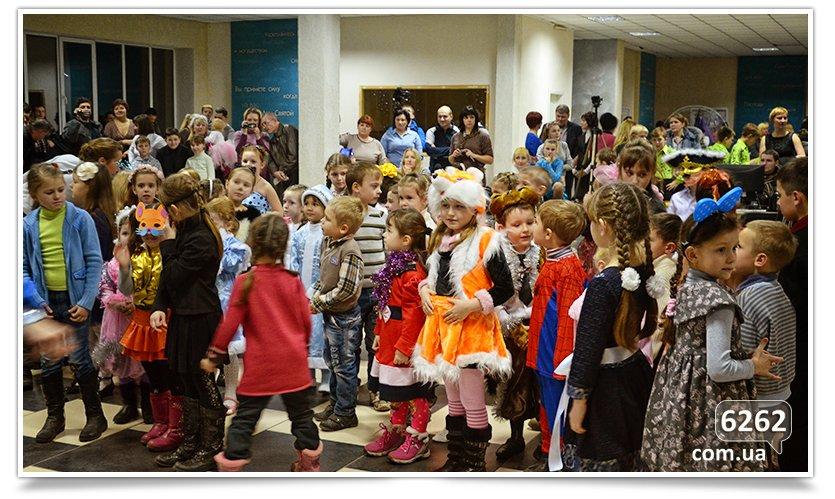 В Славянске детям-переселенцам устроили грандиозный праздник. (фото) - фото 4
