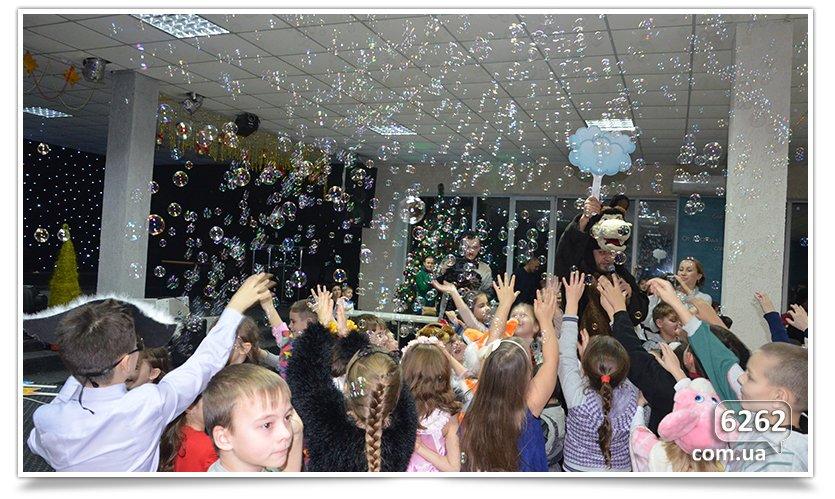 В Славянске детям-переселенцам устроили грандиозный праздник. (фото) - фото 8