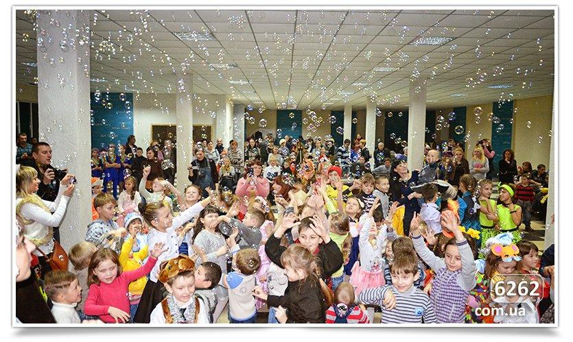 В Славянске детям-переселенцам устроили грандиозный праздник. (фото) - фото 9