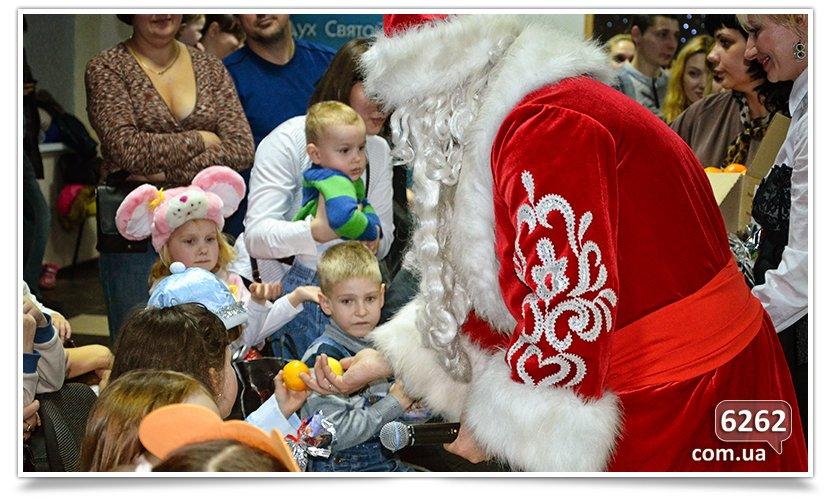 В Славянске детям-переселенцам устроили грандиозный праздник. (фото) - фото 10