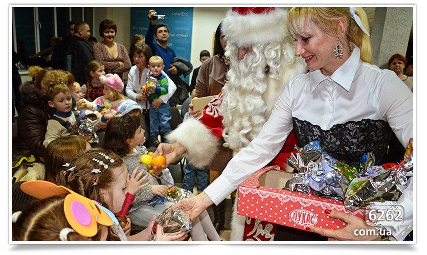 В Славянске детям-переселенцам устроили грандиозный праздник. (фото) - фото 11