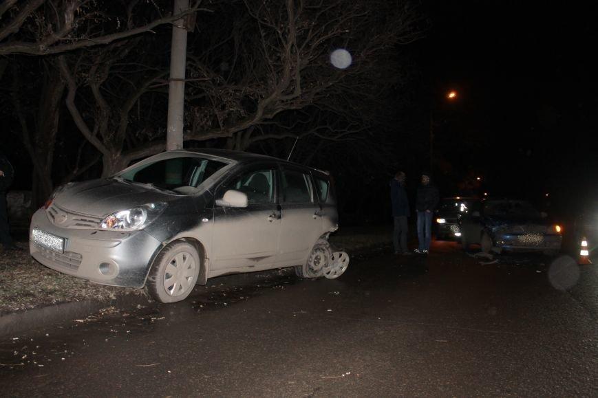 ДТП в Кривом Роге: в темноте «Дэу Ланос»  влетел в припаркованный «Ниссан» через секунду после того, как из машины вышел водитель (ФОТО), фото-4