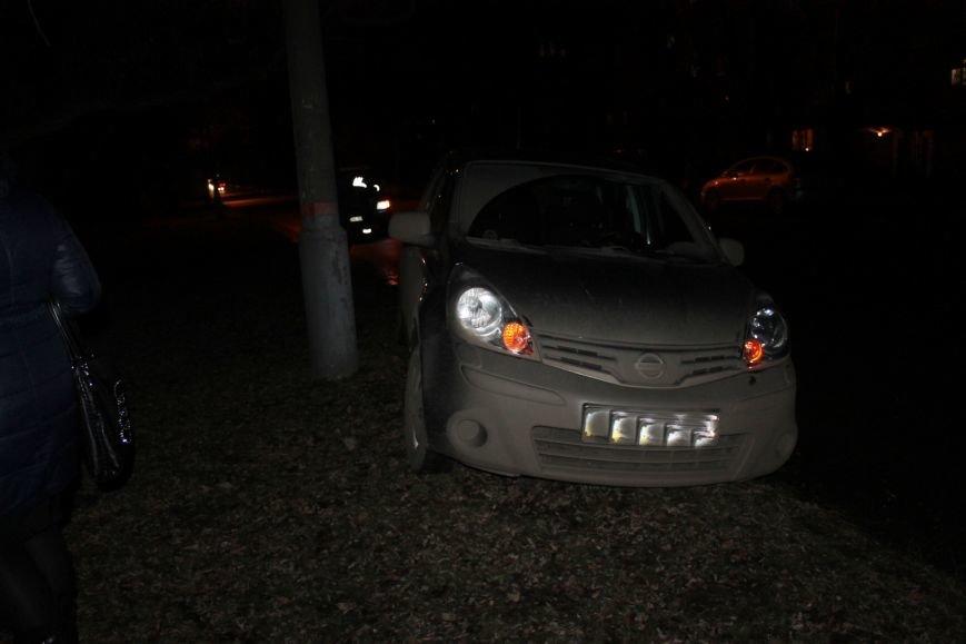 ДТП в Кривом Роге: в темноте «Дэу Ланос»  влетел в припаркованный «Ниссан» через секунду после того, как из машины вышел водитель (ФОТО), фото-3