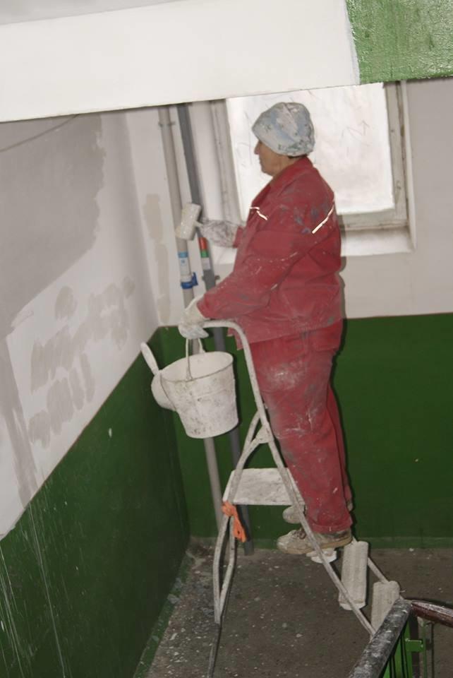 У Тернополі продовжують ремонтувати під`їзди (фото) (фото) - фото 1