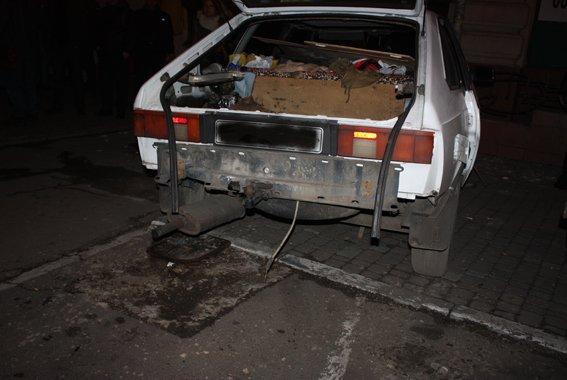 В Одессе взорвали автомобиль. В милиции говорят: теракт (ФОТО) (фото) - фото 1