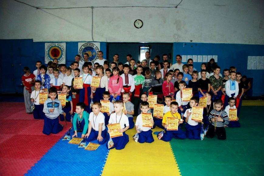 Козацькі бойові змагання проходили в Рівному (фото) - фото 1