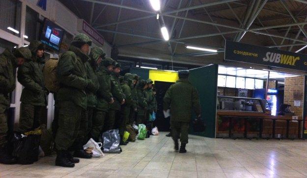 5048483-rostov-soldiers