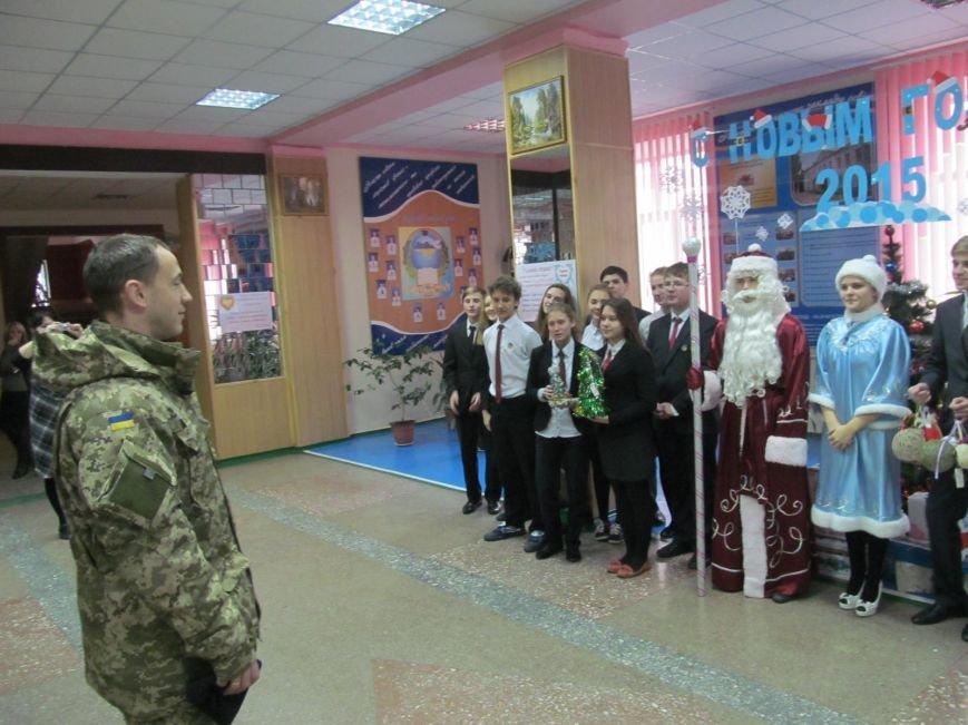 Подразделения ВСУ возмут шефство над школами Мариуполя (ФОТО), фото-1