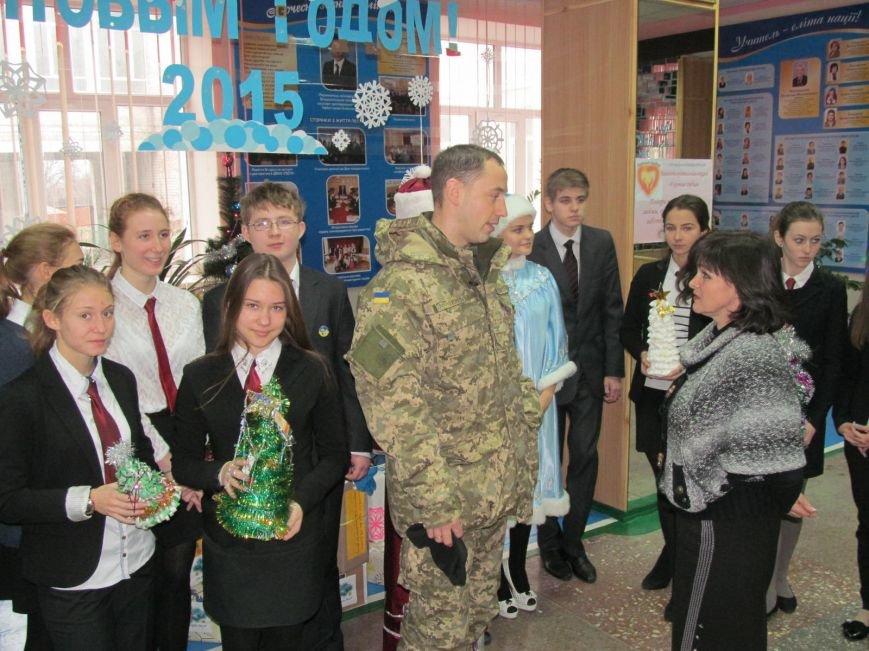 Подразделения ВСУ возмут шефство над школами Мариуполя (ФОТО), фото-2