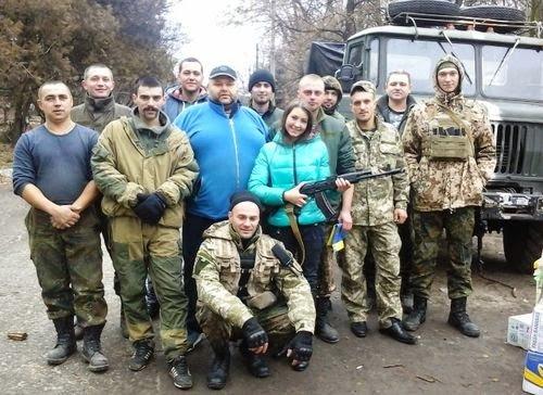 Житомирские волонтеры передали гуманитарную помощь военным в Славянске. (фото) - фото 2