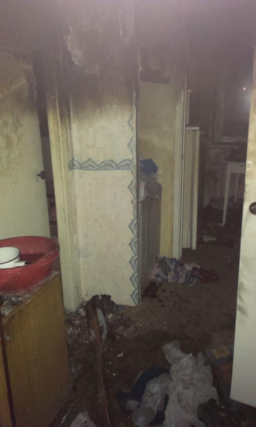 Пожар в г.Доброполье привел к гибели 8 летнего ребенка (фото) - фото 1