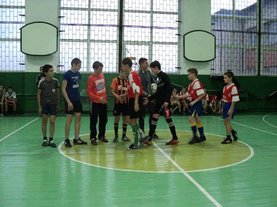 Рокитнівські правоохоронці виступили організаторами змагань з міні- футболу серед дітей (фото) - фото 1