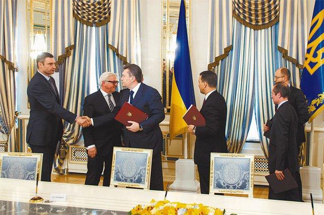 Янукович через полгода молчания заявил, что Украина станет единой (фото) - фото 1