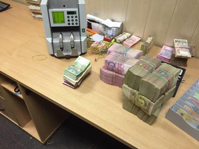 На Днепропетровщине СБУ ликвидировала «конвертационный центр» с ежедневным оборотом 10 млн грн. (фото) - фото 3