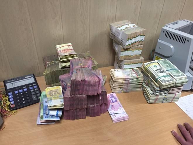 На Днепропетровщине СБУ ликвидировала «конвертационный центр» с ежедневным оборотом 10 млн грн. (фото) - фото 2