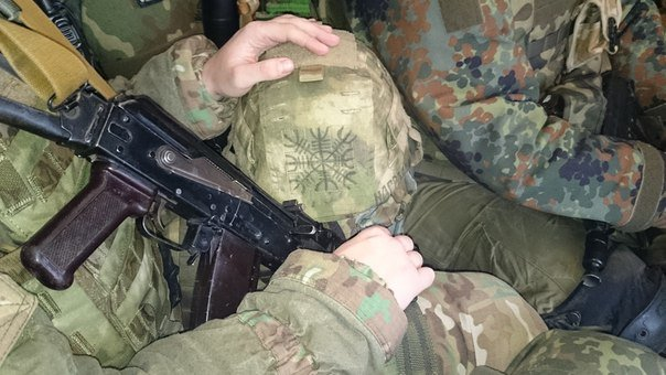 Бойцы «Азова» не ощущают Нового года под Мариуполем  (ФОТО) (фото) - фото 1