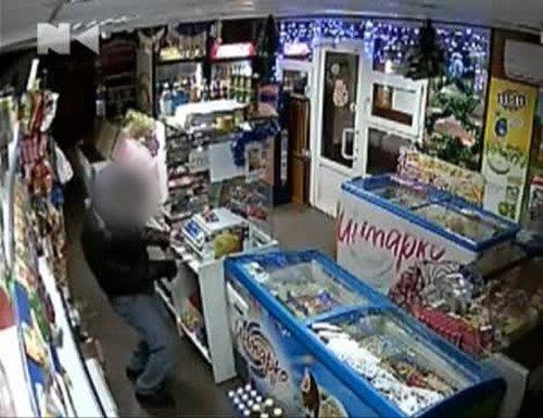 25_12_2014_Mariupol_Krazha iz magazina v Zhovtnevom rajone_2s