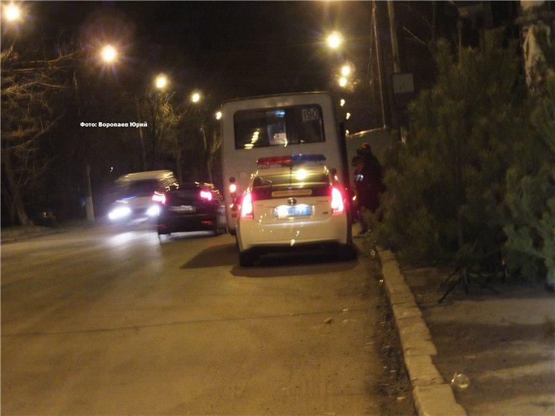 В Одессе автомобиль врезался в маршрутку и загорелся (ФОТО) (фото) - фото 1