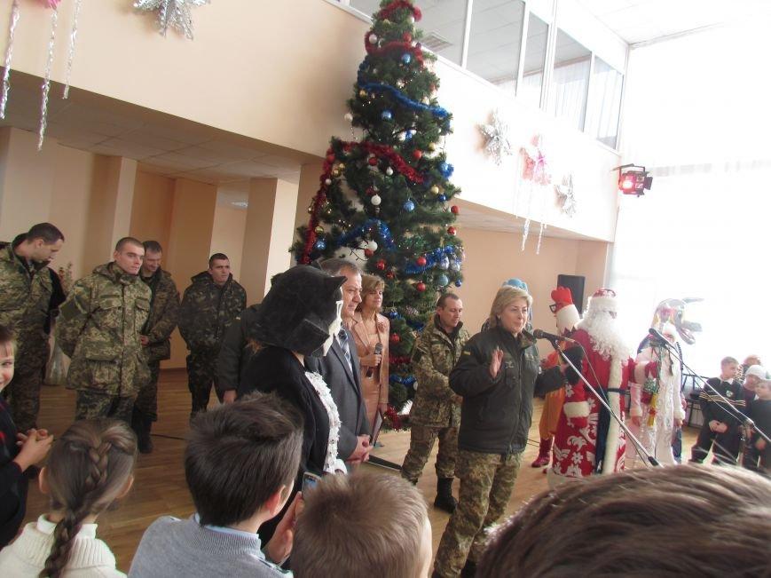 Военные и городской голова поздравили детей-сирот Мариуполя (ФОТО), фото-5