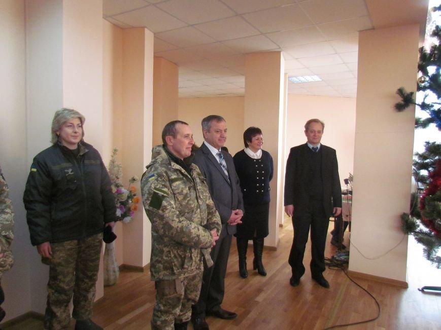 Военные и городской голова поздравили детей-сирот Мариуполя (ФОТО), фото-4
