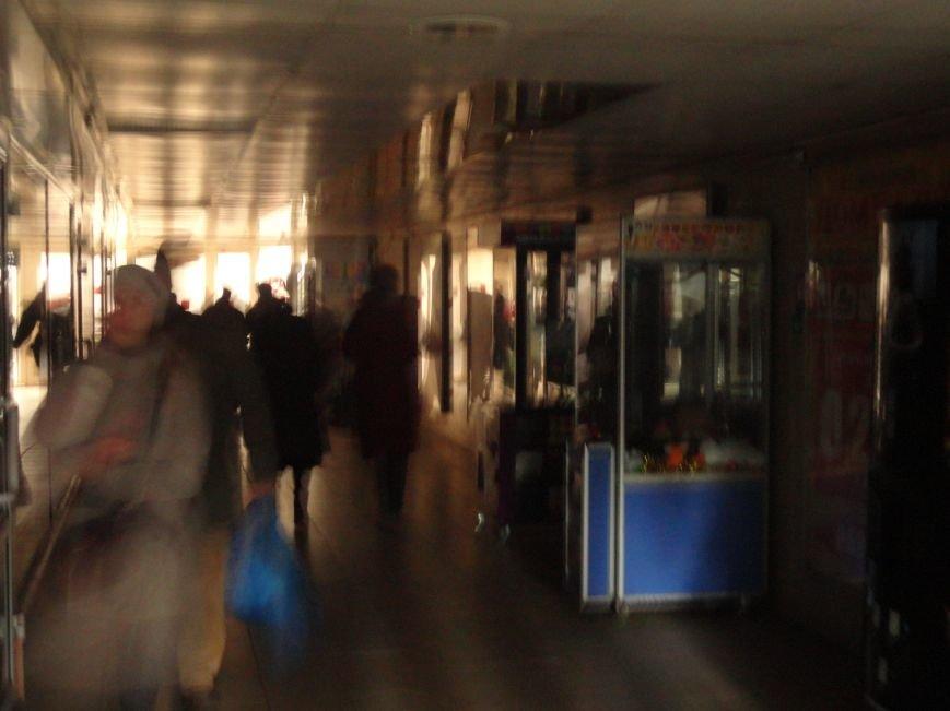 Мариупольский подземный переход погрузился во тьму (ФОТОФАКТ) (фото) - фото 1