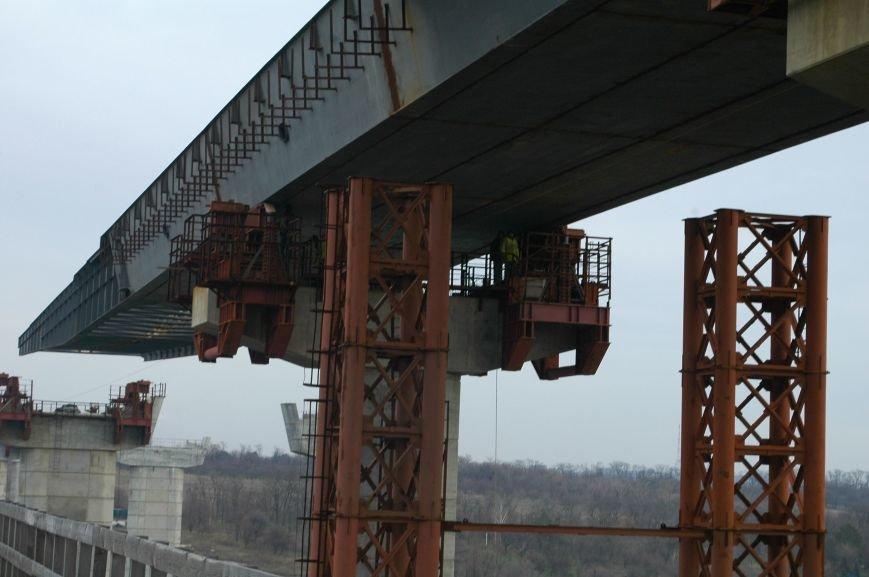 ФОТОРЕПОРТАЖ: Запорожские мосты дотянулись до середины Старого Днепра (ВИДЕО), фото-1