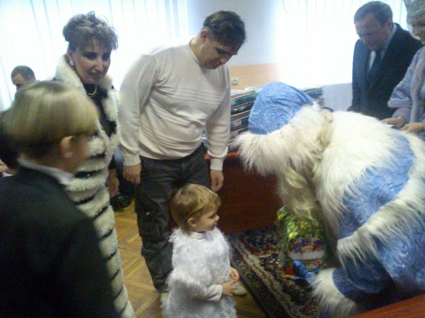 Дед Мороз и Станислав Сафронов поздравили детей с праздником, фото-2