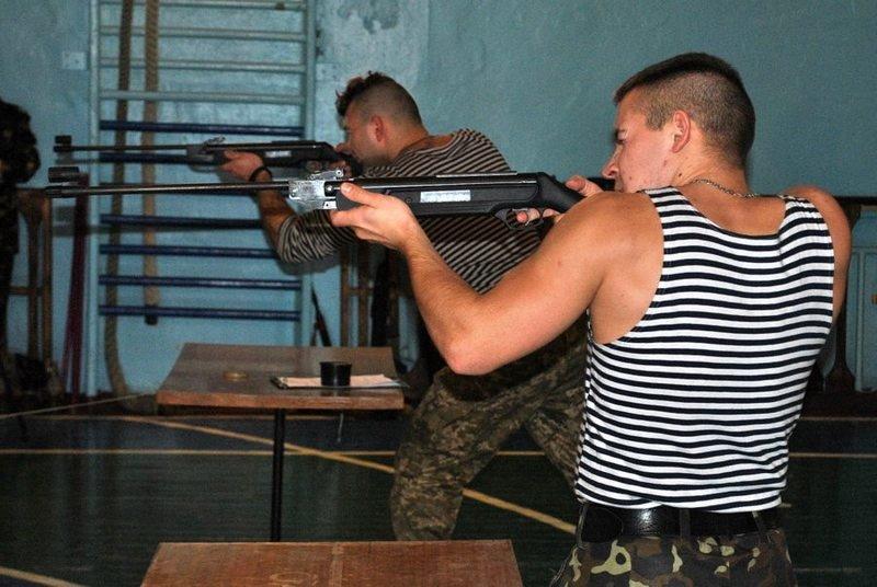 Морские пехотинцы посоревновались с николаевскими школьниками (ФОТО) (фото) - фото 1
