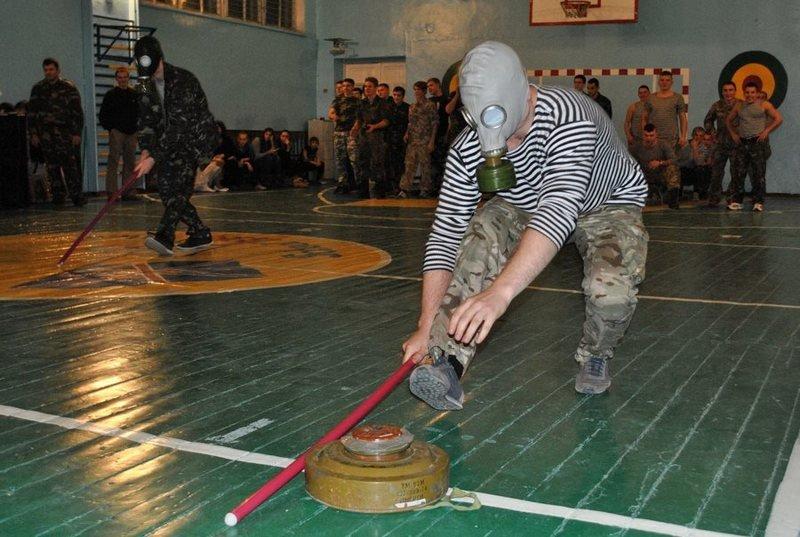 Морские пехотинцы посоревновались с николаевскими школьниками (ФОТО) (фото) - фото 6
