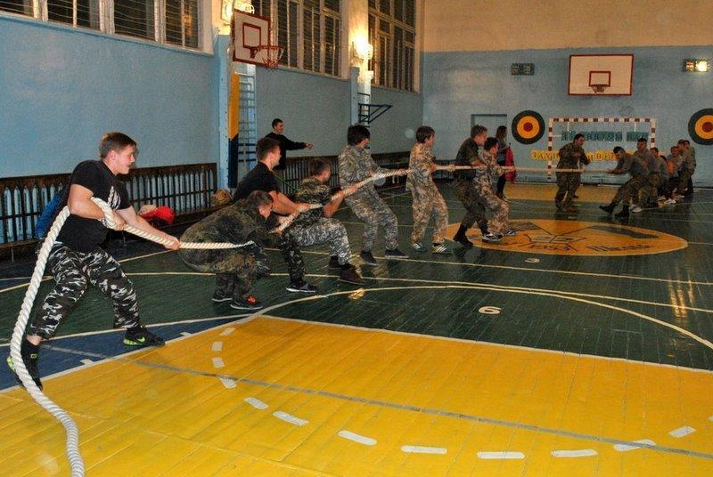 Морские пехотинцы посоревновались с николаевскими школьниками (ФОТО) (фото) - фото 5