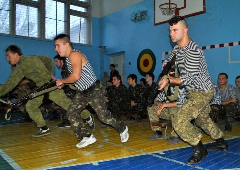 Морские пехотинцы посоревновались с николаевскими школьниками (ФОТО) (фото) - фото 7