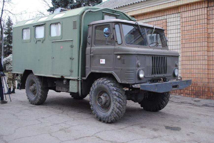 В Запорожье «Сестры победы» подарили бойцам АТО микроавтобус и грузовик (ФОТО) (фото) - фото 1