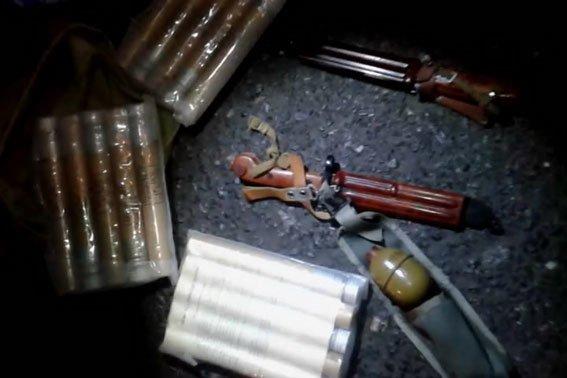 На одном из постов ГАИ Полтавщины были задержаны два автомобиля с оружием (ФОТО) (фото) - фото 1