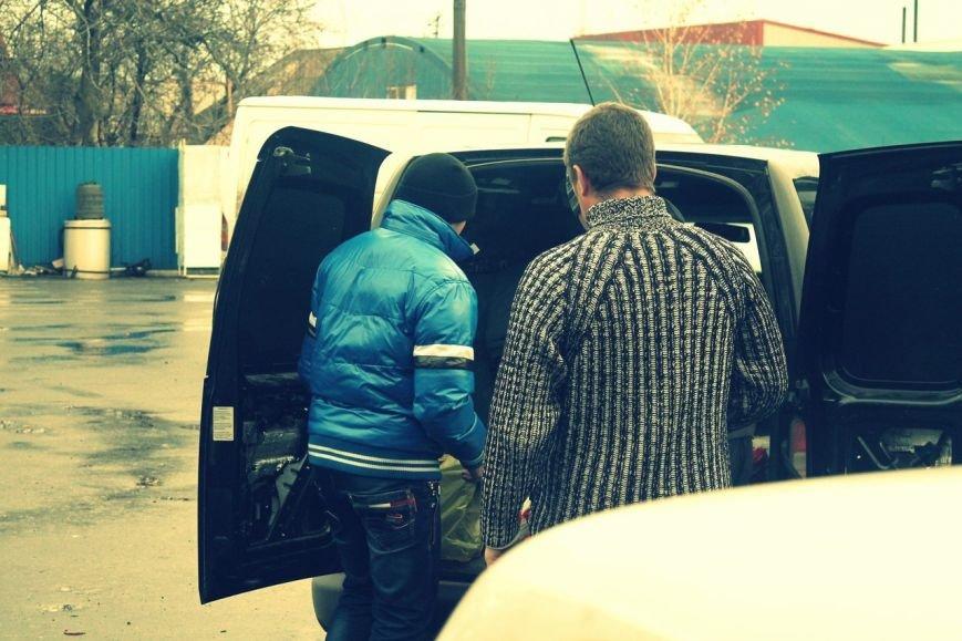 Активисты «Димитровского патриотического руха» привезли бойцам полка «Днепр-1» гуманитарную помощь на сумму 40 тыс. грн. (фото) - фото 23