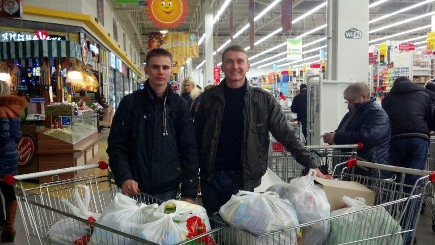 Активисты «Димитровского патриотического руха» привезли бойцам полка «Днепр-1» гуманитарную помощь на сумму 40 тыс. грн. (фото) - фото 3