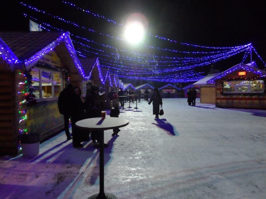 На площади Ленина прошло открытие новогодней елки, фото-4