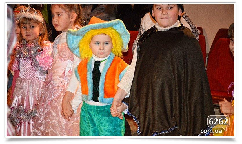 Новогодний праздник в Центре Детского и Юношеского творчества. (фото) - фото 1