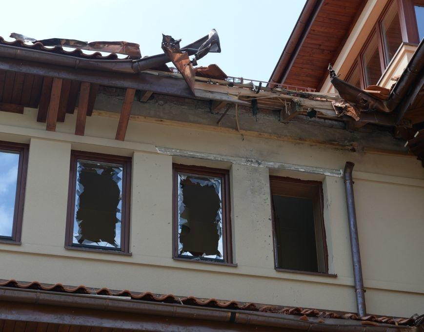 У Львові обстріляли будинок Садового (фото) - фото 2