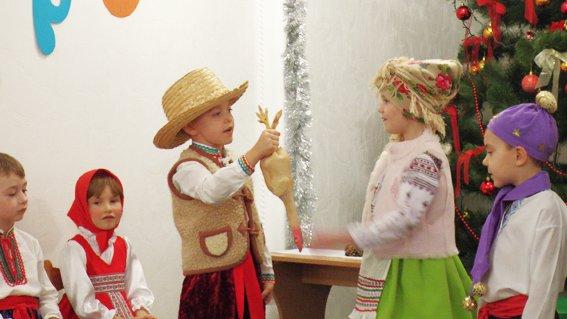 Руководитель УМВД Херсонщины поздравил детей с наступающими праздниками (фото) (фото) - фото 4