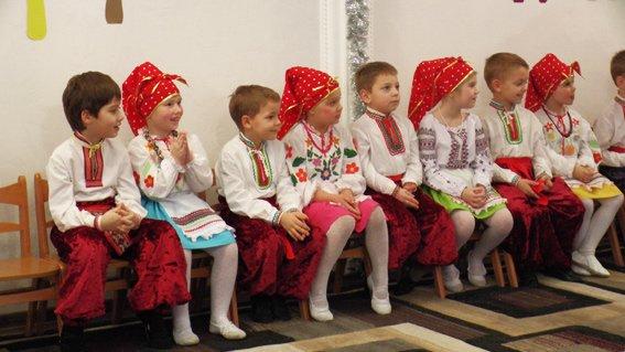 Руководитель УМВД Херсонщины поздравил детей с наступающими праздниками (фото) (фото) - фото 2
